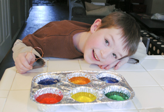 Easy Easter Egg Dying in Muffin Tins 2