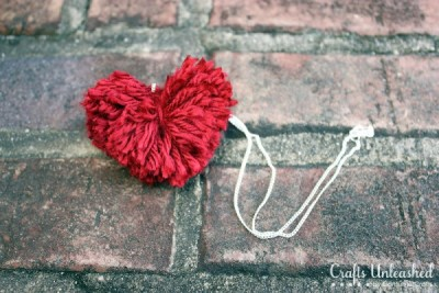 Pom-pom-heart-necklace by Crafts Unleashed
